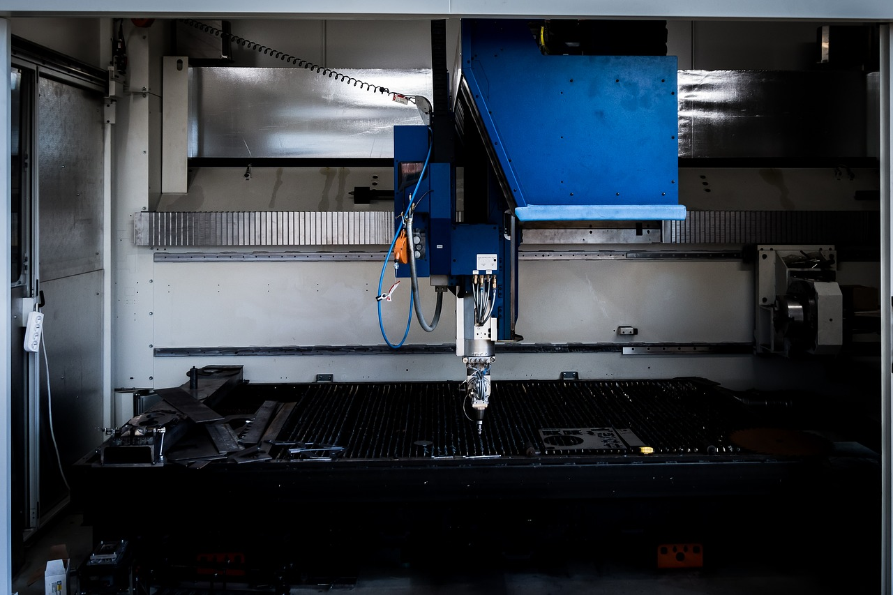 Dokładne cięcie – obróbka CNC. Laserowe cięcie blach